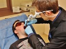 Иновативен лазер лекува хъркане и подмладява кожата