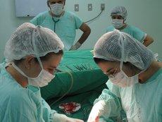 Извадиха от жена 23-килограмов тумор, тръгнал от миома