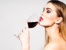 Има два типа жени – едните пият бяло вино, а другите червено
