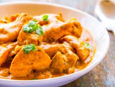 Пиле къри с чесън в мултикукър