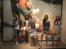 Магазин Guess Jeans отвори врати в София