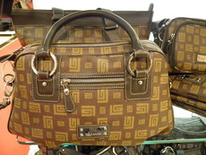 Къде да съхраняваме дамските си чанти?