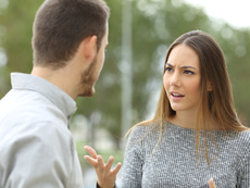 Знаците, че не вярвате на партньора си