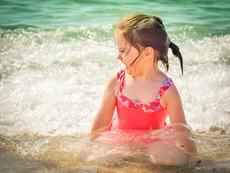 Прегряването може да отключи главоболие и гърчове при децата