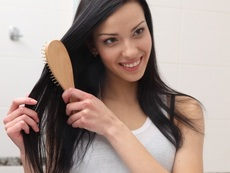 Бадемово масло за дълги мигли, здрави коса и кожа