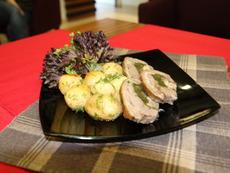 Агнешко роле със спанак, гъби и пресни картофки