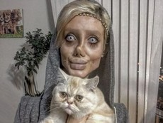 Да си направиш 50 операции, за да приличаш на Анджелина Джоли