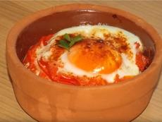 Гювечета с тиквички и яйце
