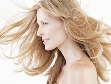 Домашен спрей за изсветляване на косата
