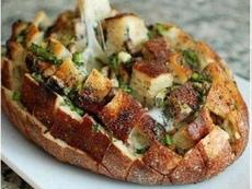 Пълнен хляб с шунка и кашкавал