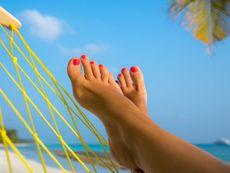 Лятна грижа за краката