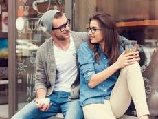 Как да превърнете приятел в интимен партньор