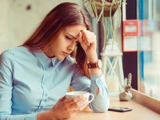 Какво представлява хормоналното главоболие?