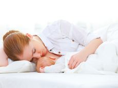 Кърмене през първите 24-48 часа след раждането на бебето