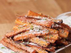 Хрупкави печени моркови с млечен сос