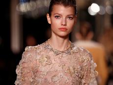 Métiers d'Art на Chanel – златен блясък и разкош от перли и бродерии