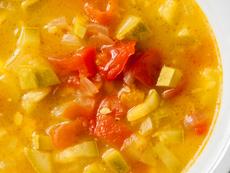 Супа с равиоли и тиквички