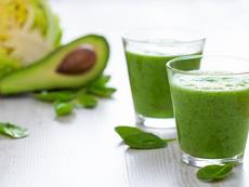 Напитка с авокадо топи мазнините на корема