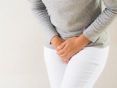 Защо стискането на урината е опасно?