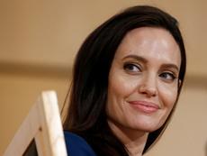 Слухове омъжват Анджелина Джоли за богат англичанин