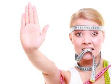 Как да намалите подпухването на лицето