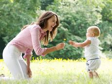 Кога и как е добре да проходи детето?