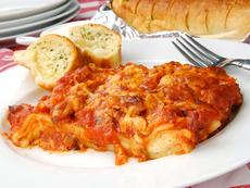 Постна лазаня с доматен сос и подправки