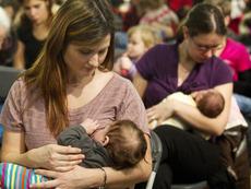 Електрическа помпа за родилки отпушва млечните канали
