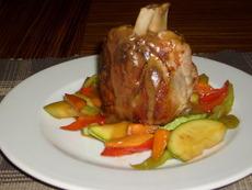 Свински джолан със зеленчуци