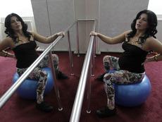 Упражнения с фитнес топка по време на бременност