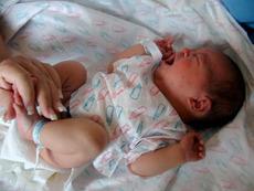 Вече има и пелени за недоносени бебета