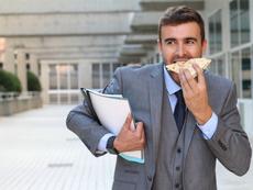 Какви са опасностите при бързо ядене на храната?