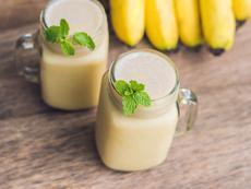 Смути с банан, канела, фъстъчено масло и мед