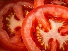 Как да използваме доматите срещу акне