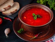 Супа борш с пилешко