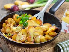 Картофи соте с бекон и кашкавал