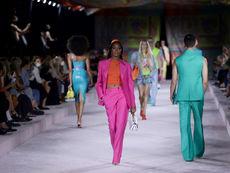 Versace представи колекцията си пролет/лято 2022