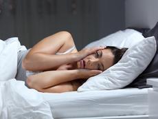 Как да избегнем бръчките и подпухването след сън