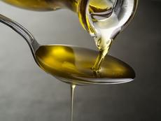 Как да използвате слънчогледовото олио за здрава коса?