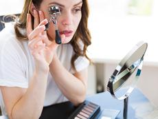 5 големи грешки, които се допускат при извиването на миглите