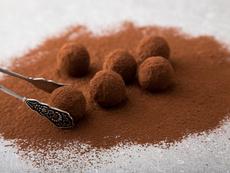 Какаови бонбони с вкус на кокос и бадеми