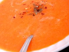 Крем супа с червени сладки чушки