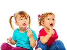 Как да разберете дали детето послъгва, че си мие зъбките?
