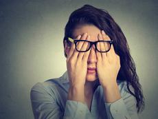 Шест начина да успокоите уморените си очи