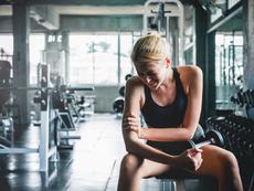 Какво се случва с тялото, когато прекалите с тренировките?