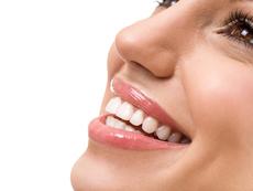 Най-подходящите храни за избелване на зъбите (галерия)