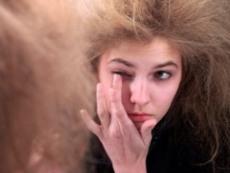 4 начина да възпитаме непослушната коса