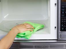 Лесен трик за почистване на микровълнова в 3 стъпки