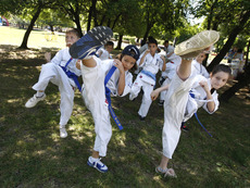 Десетки деца отпразнуваха 1 юни с открит клас по карате киокушин