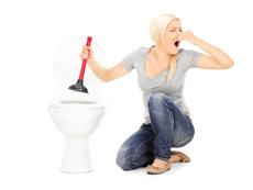 Как да отпушите запушената тоалетна?